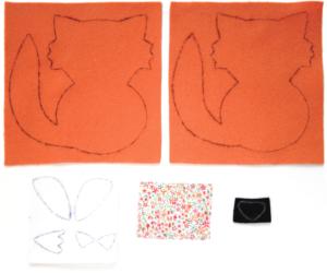 Etape 3 : pièces de tissu avec les formes du patron tracées